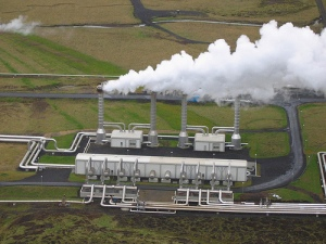 Iceland-Geothermal-power-plant-1