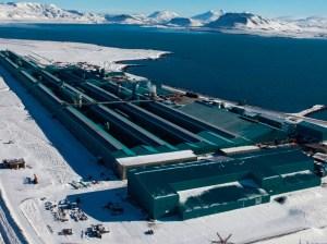 nordural-century-aluminum-smelter-grundartangi-iceland-in-winter